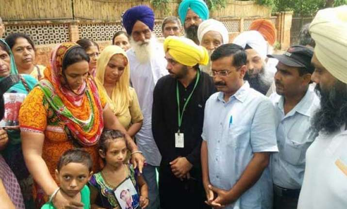 arvind kejriwal meets families of indians stranded in iraq
