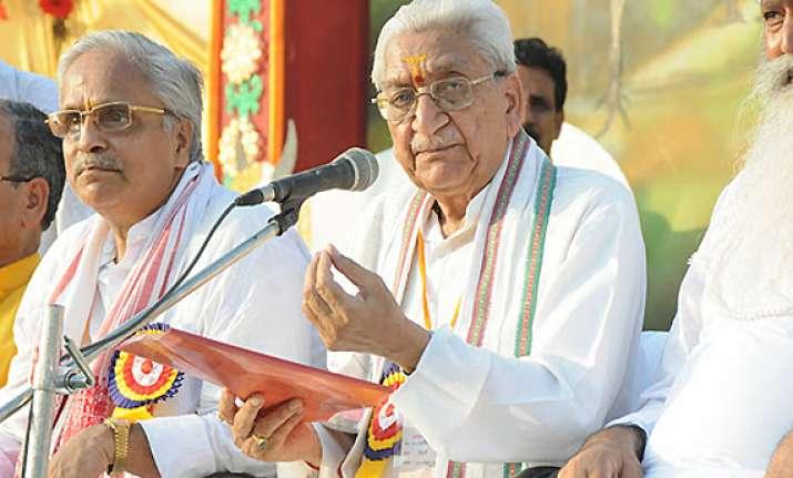 ashok singhal replaced as vhp president