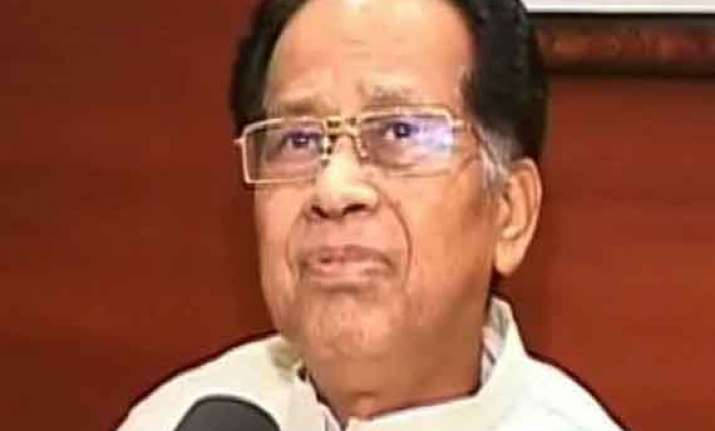 assam cm gogoi accepts congress defeat to resign