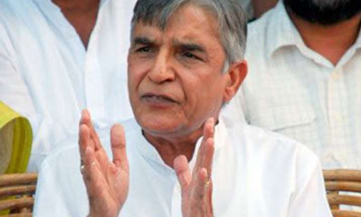 bjp accuses pawan bansal of favouring catering contractors