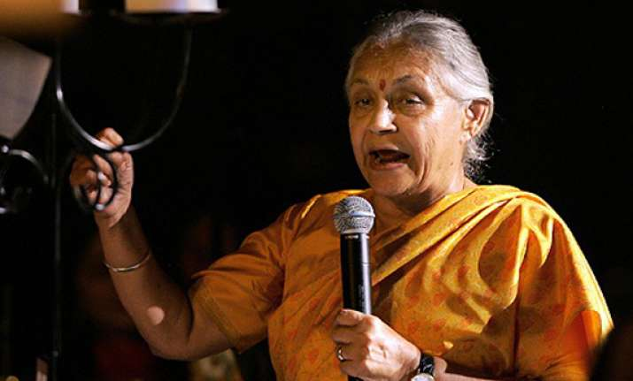 bjp demands sheila s resignation after lokayukta charge