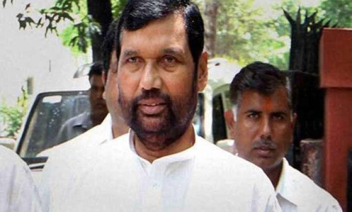 bjp leaders meet paswan over alliance talks
