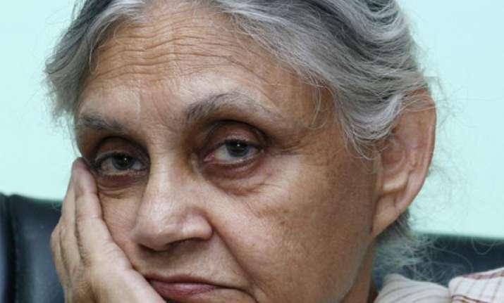 bjp seeks cbi inquiry against delhi cm