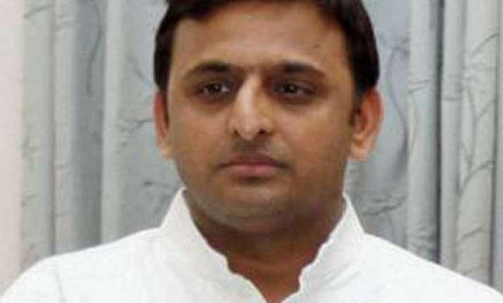 bjp slams akhilesh for detaining its workers