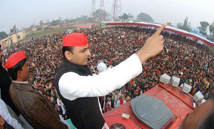 bjp stoking communalism to trap voters akhilesh