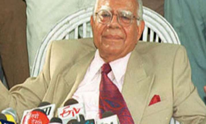 bjp sends show cause notice to jethmalani over indiscipline