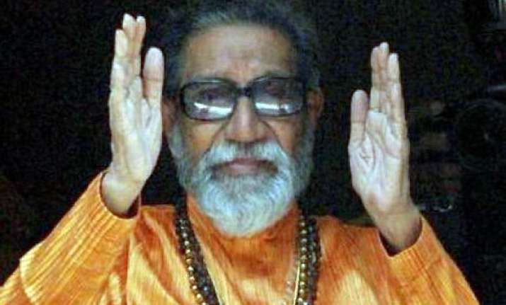 bal thackeray flays pawar over balwa links