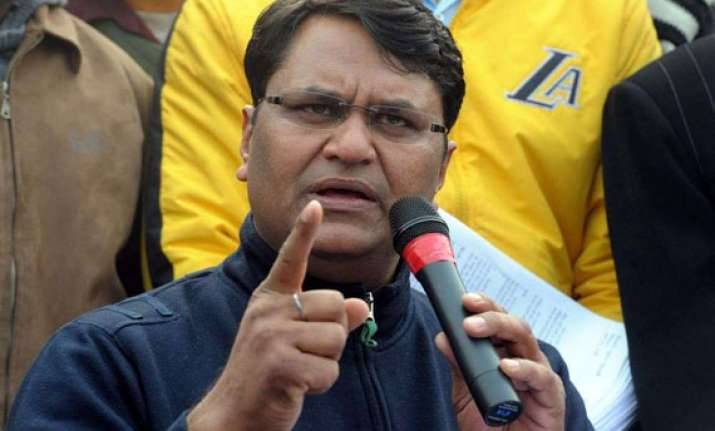 binny to withdraw support to delhi government