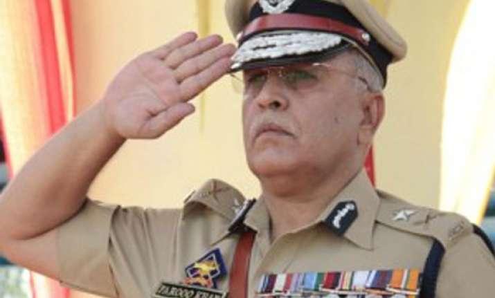 brave kashmiri police officer former igp farooq khan joins