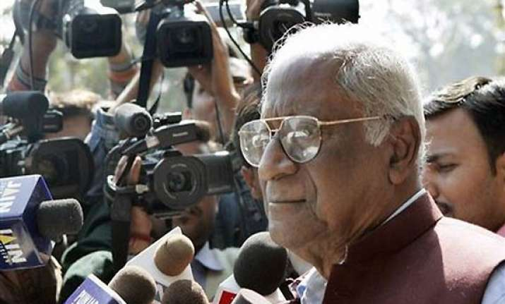 cpi wants inclusion of pm in lokpal bill