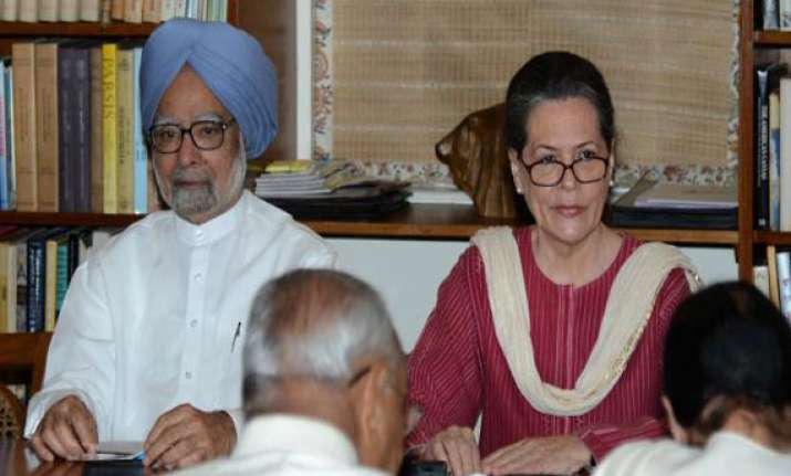 cwc meeting sonia rahul gandhi offer to resign but party