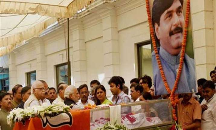 cabinet passes resolution condoling munde s death
