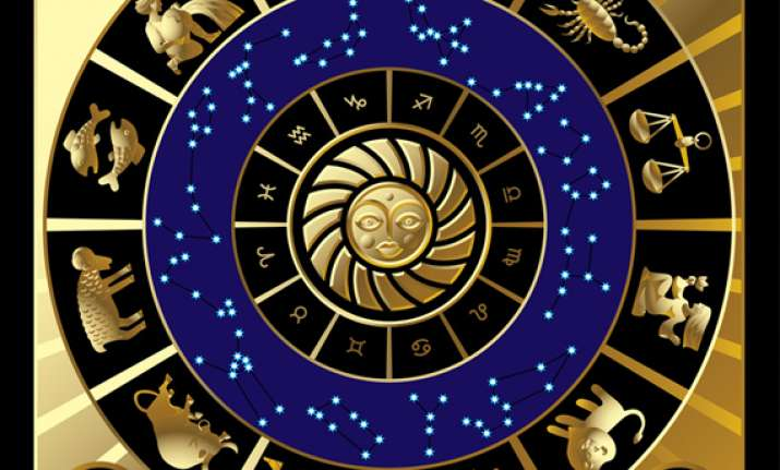 candidates seek advice from astrologers for success