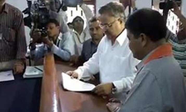 chhattisgarh polls raman singh files nomination from