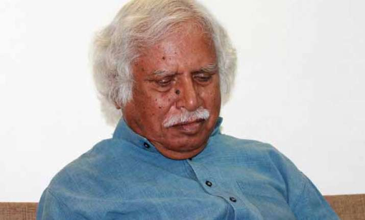 complaint against madhusudan mistry over anti modi pamphlet