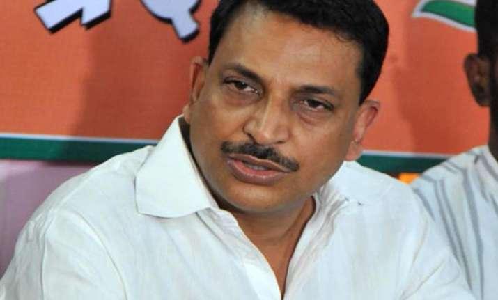 cong vs bjp blame game on in chhattisgarh