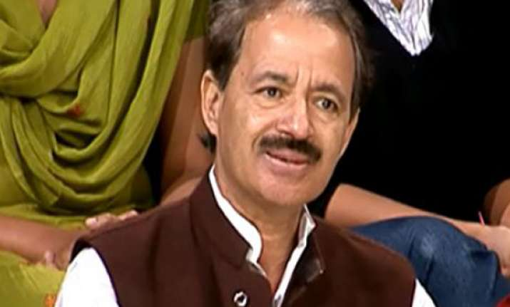cong defends centre but refuses to clear stand on up split