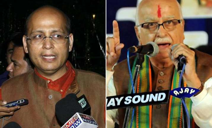 cong ridicules advani ask him to be innovative