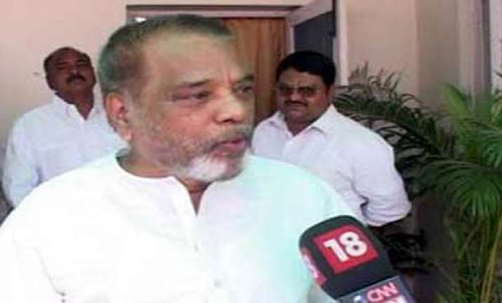 cong telangana mps stay away from parliament
