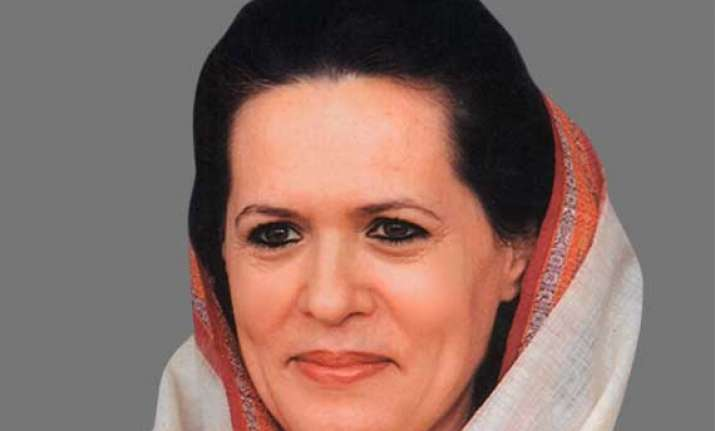 2 congress mlas meet sonia gandhi to discuss delhi assembly