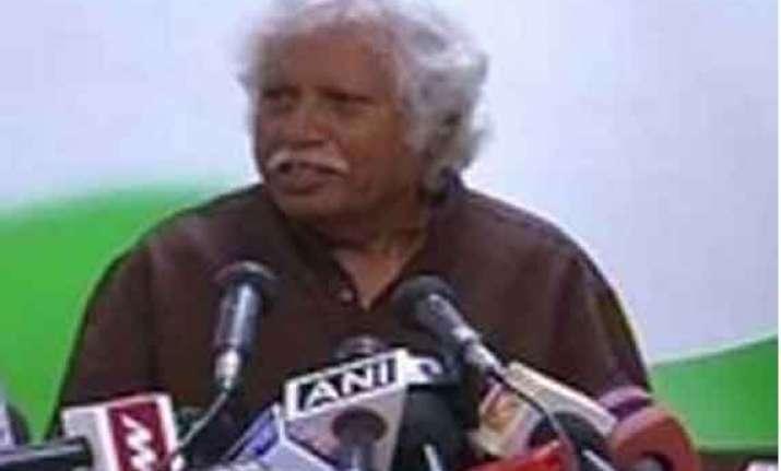 congress leader madhusudan mistry sits on dharna in vadodara