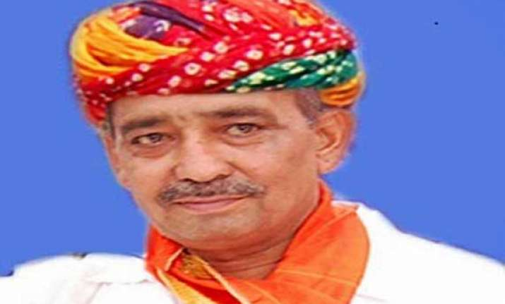 congress leaders urge president to disqualify sanwar lal jat