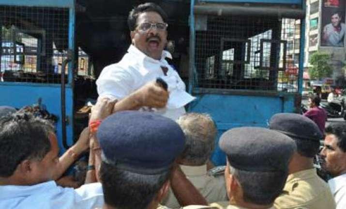 congress nominates rawat to contest vadodara seat