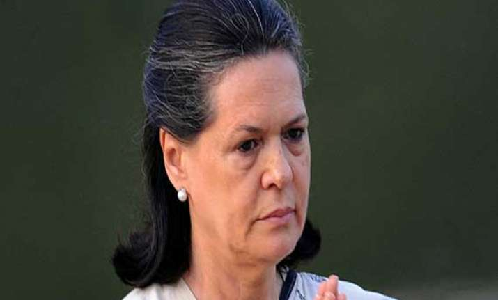 congress old guard misses sonia wants her back at campaign