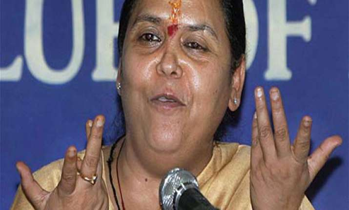 congress releases 3 yr old clip of uma bharti slamming modi