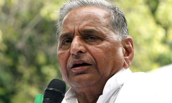 congress shedding crocodile tears on poverty mulayam