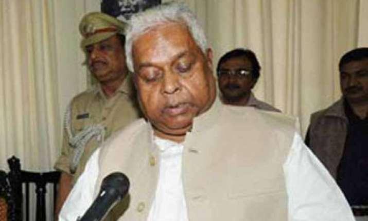 congress extends support to new jd u govt in bihar
