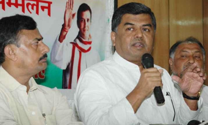 congress to restart march from maoist attack spot