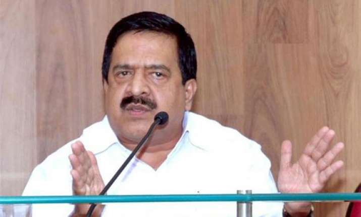 congress top brass to resolve chennithala issue
