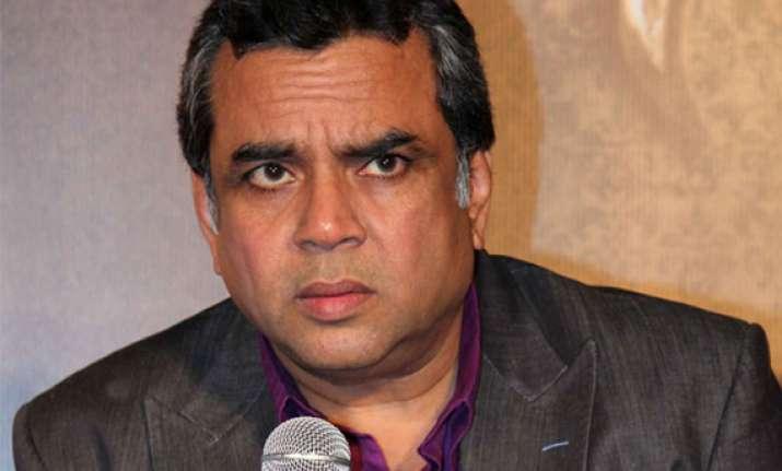 congress wants ban on paresh rawal for defamatory speech