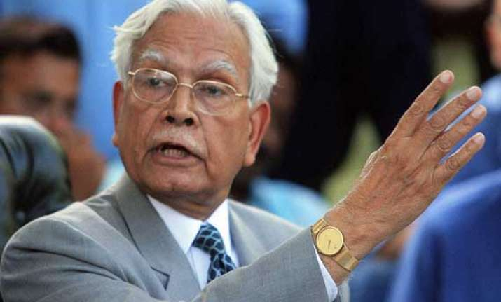 congress would barely get 100 ls seats claims natwar singh