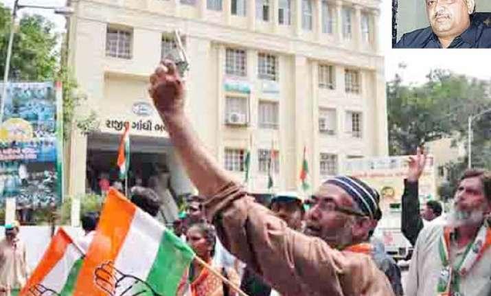 congress wins maiden gandhinagar civic poll