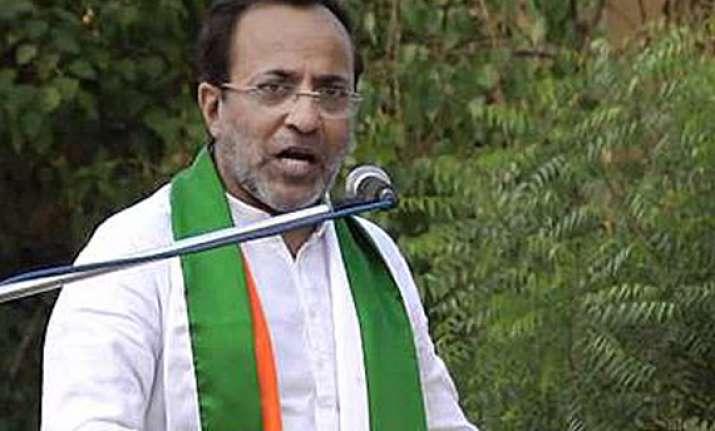 congress blames modi for rising unemployment in gujarat
