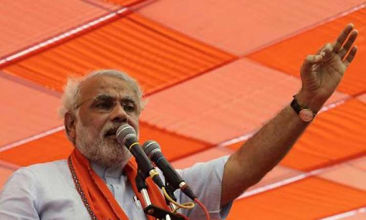 congress lacks guts to stand up to rehman malik says modi