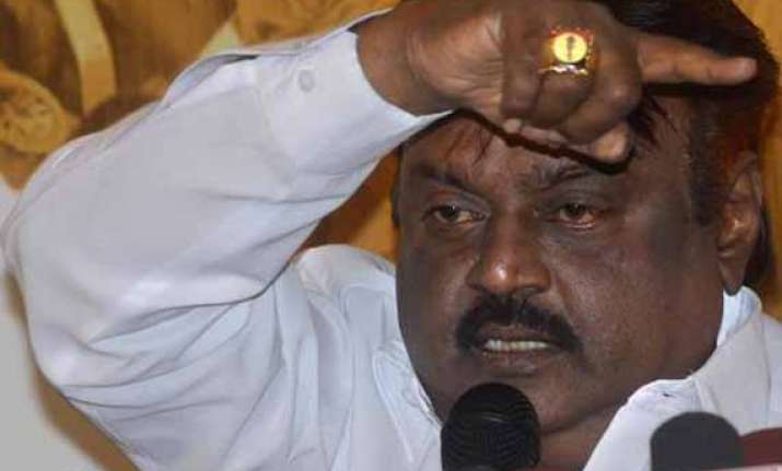 dmdk cadres say no to alliance vijayakant to decide later