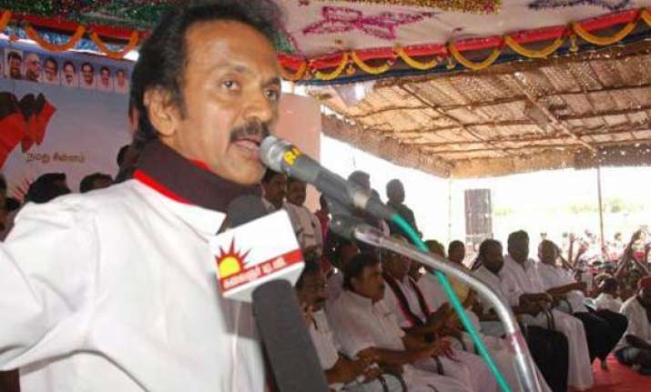 dmk protests false cases throughout tn