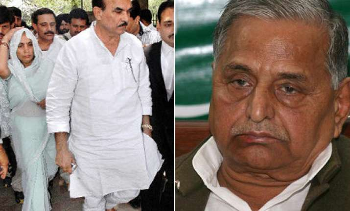 d p yadav terms sp a family party