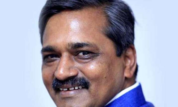 delhi bjp chief meets rajnath discusses government formation