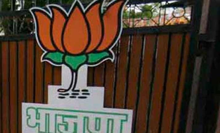 delhi bjp sounds poll bugle