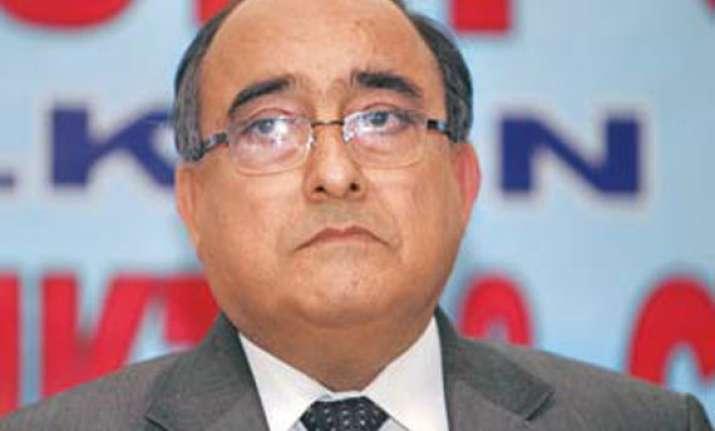 delhi govt defies lokayukta refuses to send report on