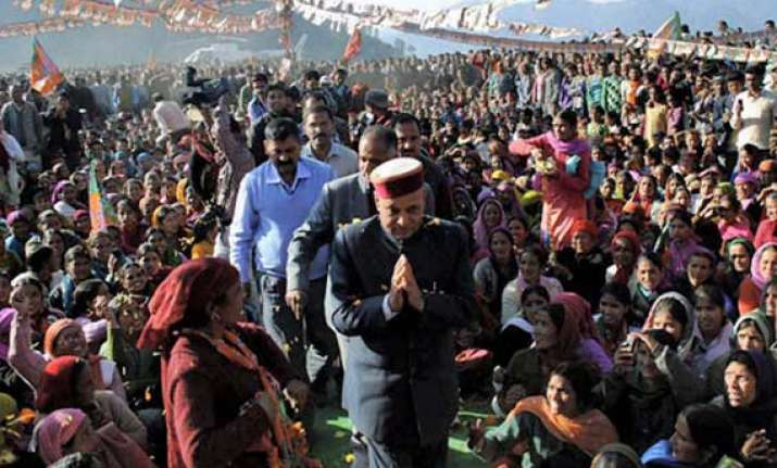 dhumal takes on cong with induction chulhas