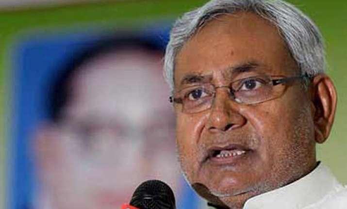 advani atal era over bjp betraying its elders says nitish