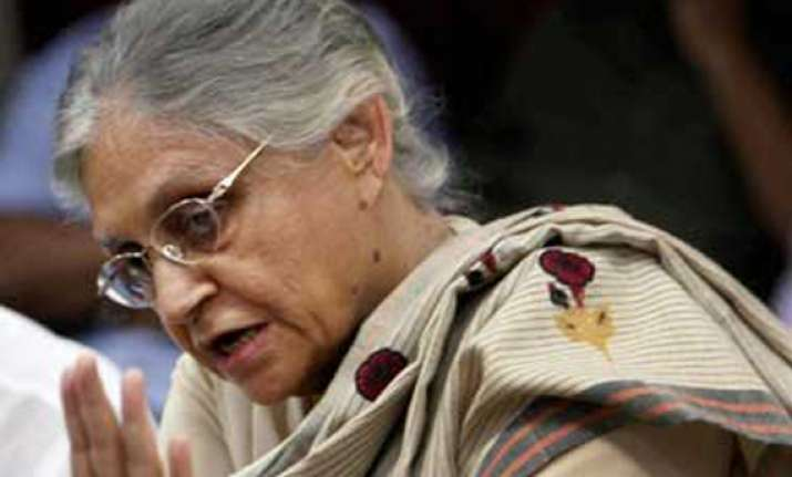 dikshit slams kejriwal on inflated bills issue