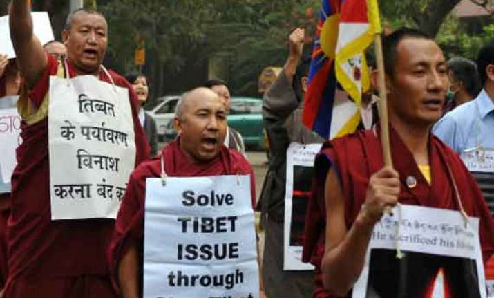 discuss tibet with chinese minister tibetan group to