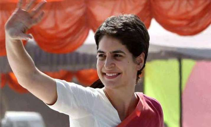 don t vote for outsiders says priyanka in amethi