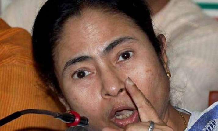 don t cross lakshmana rekha mamata tells media